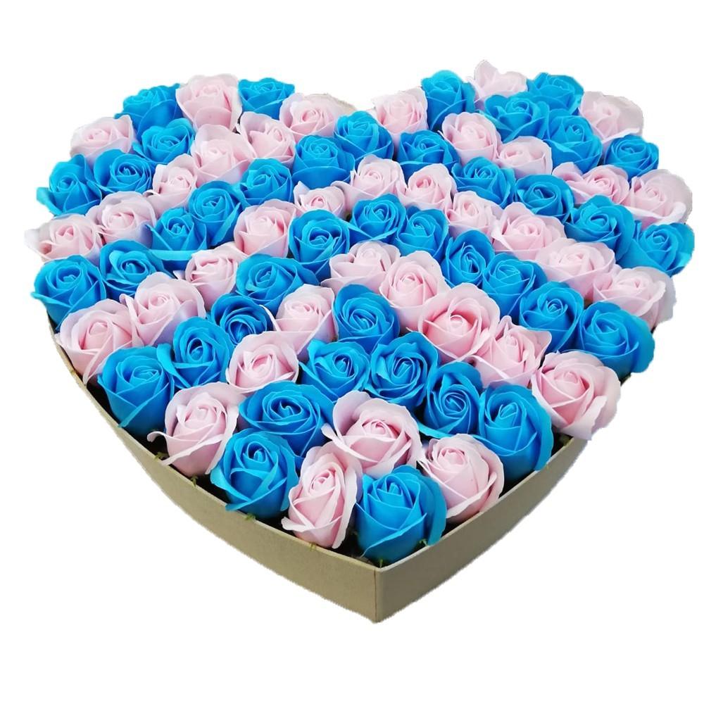Aranjament din 77 trandafiri de sapun in cutie alba si in forma de inima imagine techstar.ro 2021