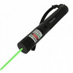Laser puternic 3D verde . Raza de lumina 10 km