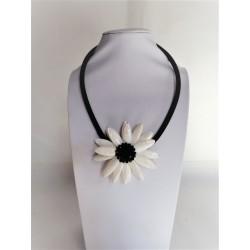 Colier Dama, Pandantiv Forma de Floare, cu Sidef Alb