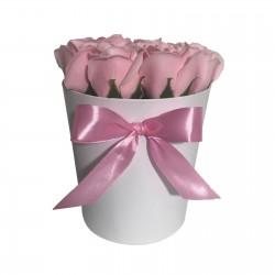 Cutie Rotunda Cu 11 Trandafiri Roz