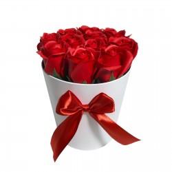 Cutie Rotunda Cu 11 Trandafiri Rosii
